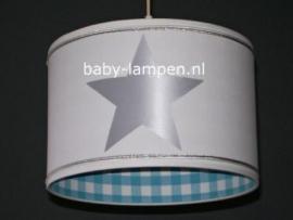 kinderlamp wit zilveren sterren en bandjes aquablauw ruitje