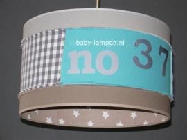 kinderlamp stoer beige sterren aquablauw en cijfers zilver