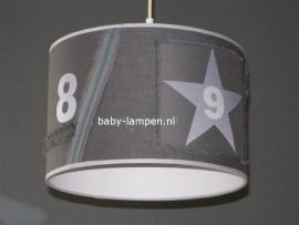 kinderlamp stoer in grijstinten zilveren ster en cijfers