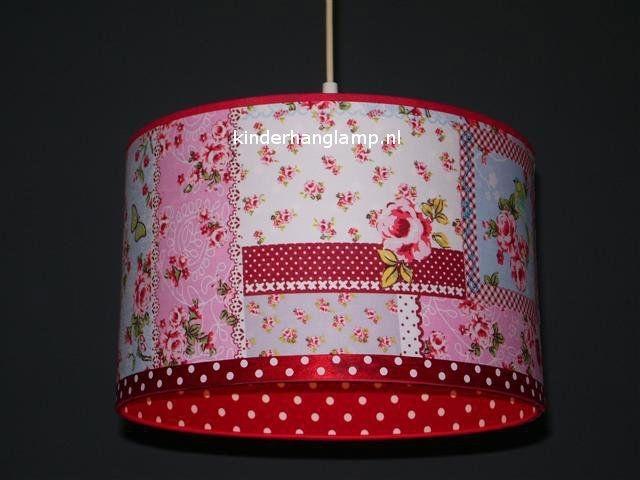 kinderlamp roze patchwork vogeltje en rode stipjes