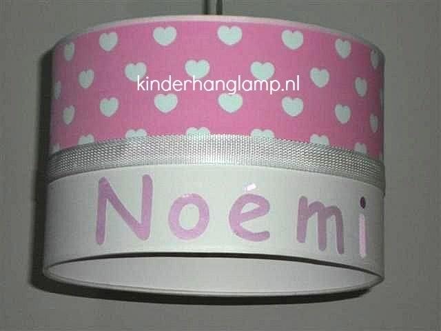 Kinderlamp met naam roze witte hartjes