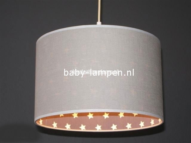 kinderlamp lichtgrijs en witte sterren