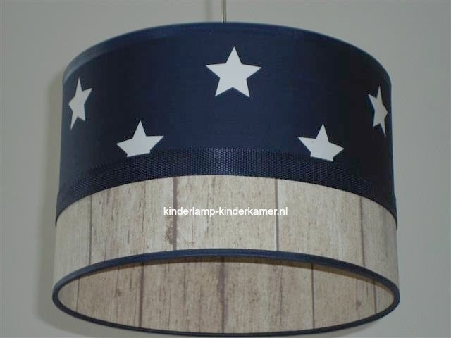 kinderlamp donkerblauw witte sterren en steigerhout