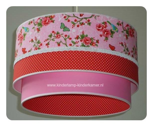 Kinderlamp dubbele lampenkap roze rode roosjes rode stipjes