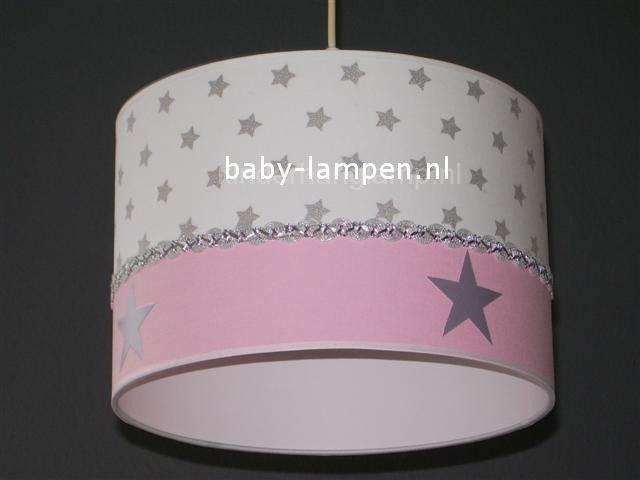 kinderlamp wit zilveren sterren en roze