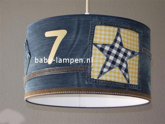 kinderlamp stoer spijkerstof geel en blauw blokje sterren