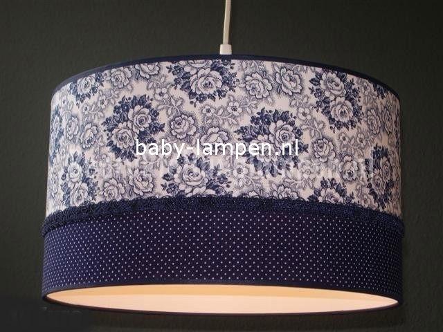 kinderlamp donkerblauw bloemen en stipjes