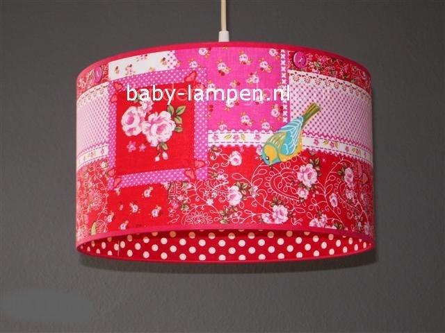 kinderlamp rood patchwork en rode stipjes