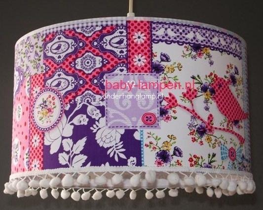 kinderlamp patchwork lila en roze witte bolletjes