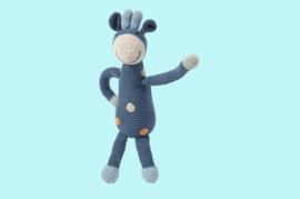 Pebble Organic rammelaar - Giraf petrol blauw