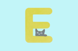 Houten letter E-decoratie kat-muur kinderkamer