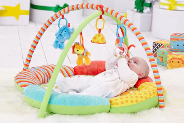 Mothercare speelkleed jongen en meisje de jungle in vrolijke kleuren