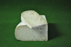 Geitenkaas Belegen Fenegriek  - 500 Gram