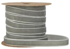 IB Laursen   Velvet ribbon   grijs   10 meter op een rol