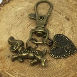 Bronskleurige Teckel Sleutelhanger met Hart