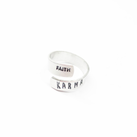 Karma ring TWIST
