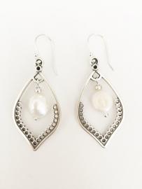Barok parels zilveren oorbellen