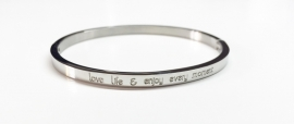 "Stainless Steel armband zilver dun ""Love life & Enjoy"""