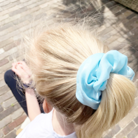 Scrunchie baby blue