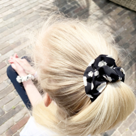 Scrunchie Black and white