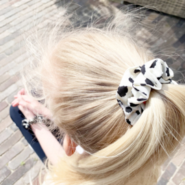 Scrunchie white and black