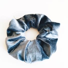 Scrunchie ijzig blauwe jeans