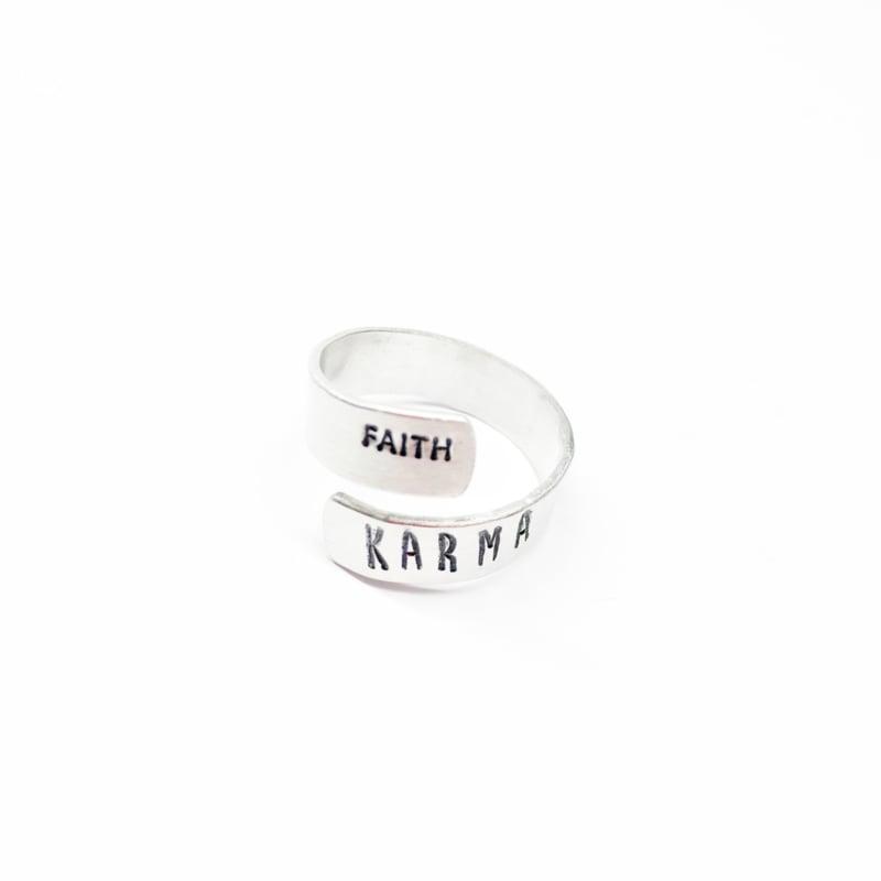 Karma ring TWIST