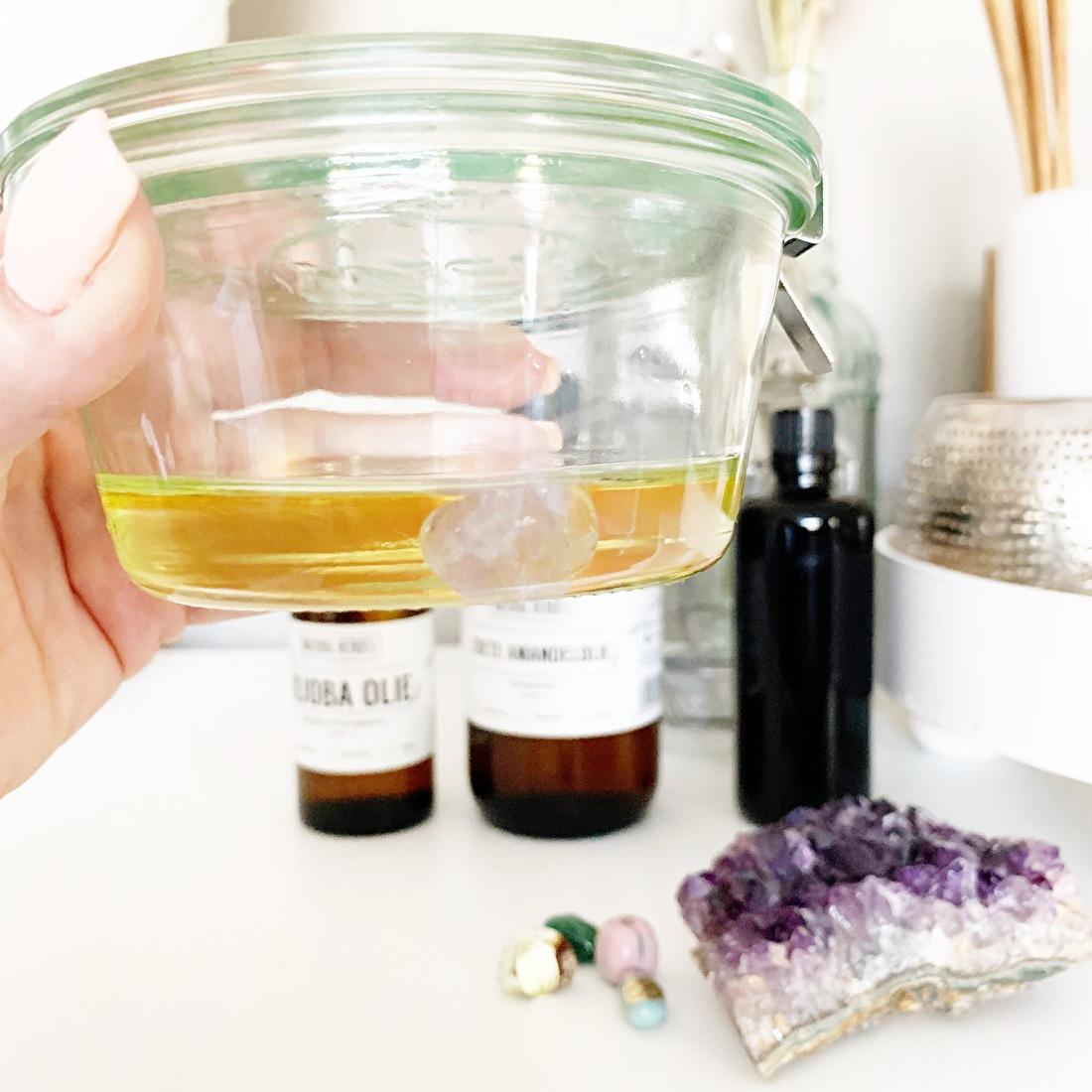 Blog edelstenen massage olie maken, by-sas