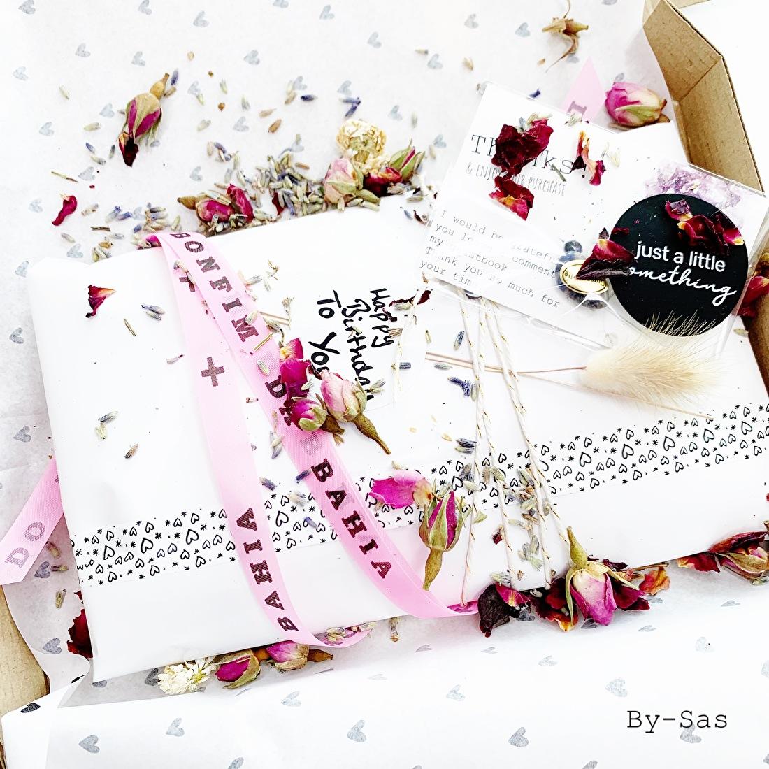 verzending met liefdebestelling klant van By-Sas, doosje geluk en liefde voor de klant
