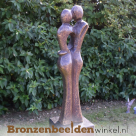 """Huwelijkscadeau tuinbeeld """"Het Liefdespaar"""" (klein) incl. sokkel"""