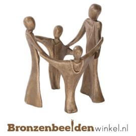 """Beeldje gezin """"Circle of Trust"""" BBWP47650"""