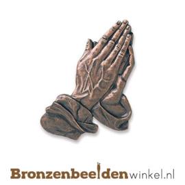 Biddende handen van brons BBW21050-029