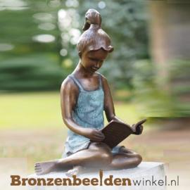 Bronzen lezend meisje als tuinbeeld BBW0803br