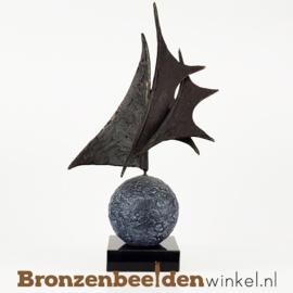 """Sculptuur """"De wereld rond"""" BBW005br24"""