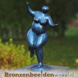 Vrouwen beeld dikke dame voor in de tuin BBW2340br