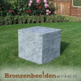 Tuinbeeld zittende vrouw BBW1250