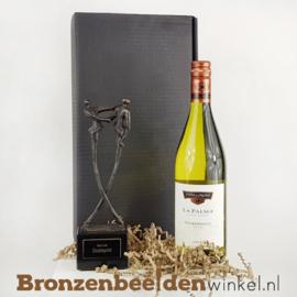 Geschenkdoos met beeldje en wijn naar keuze