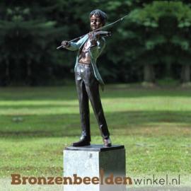 Jongetje Mozart als tuinbeeld BBW74055