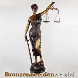 Groot Vrouwe Justitia beeld BBW57886