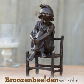 "Kinderbeeldje ""Meisje op stoel"" BBW1217br"