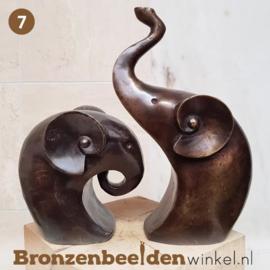 NR 7 | Cadeau vrouw 75 jaar ''Abstracte olifanten'' BBWFHOFSET