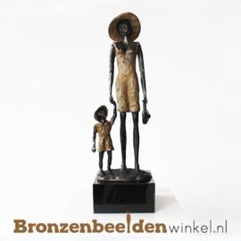 "Vrouwenbeeldje ""Moeder en kind"" BBW004br04"