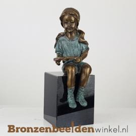 Bronzen meisje die leest BBW1499