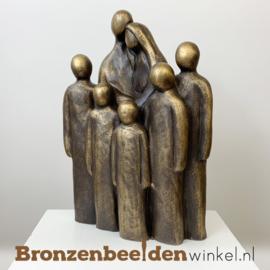 """Beeld """"Vader en moeder met 5 grote kinderen"""" BBW064br05"""