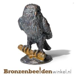 Bronzen beeld uil op tak BBW77040