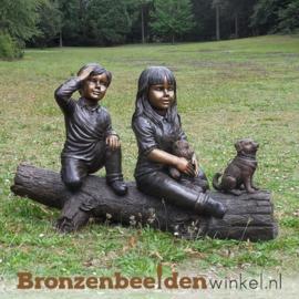 """Groot bronzen beeld """"jongen en meisje"""" BBW1068br"""