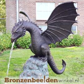 NR 9 | Populair dierenbeeld draak op rots BBWB679