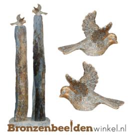 Tuinbeeld vogeltjes op leisteen zuilen BBW80010