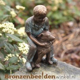 Kinderbeeldje jongen met hond BBW1979br