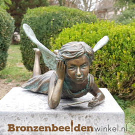 Tuinbeeld lezend engeltje BBW89052